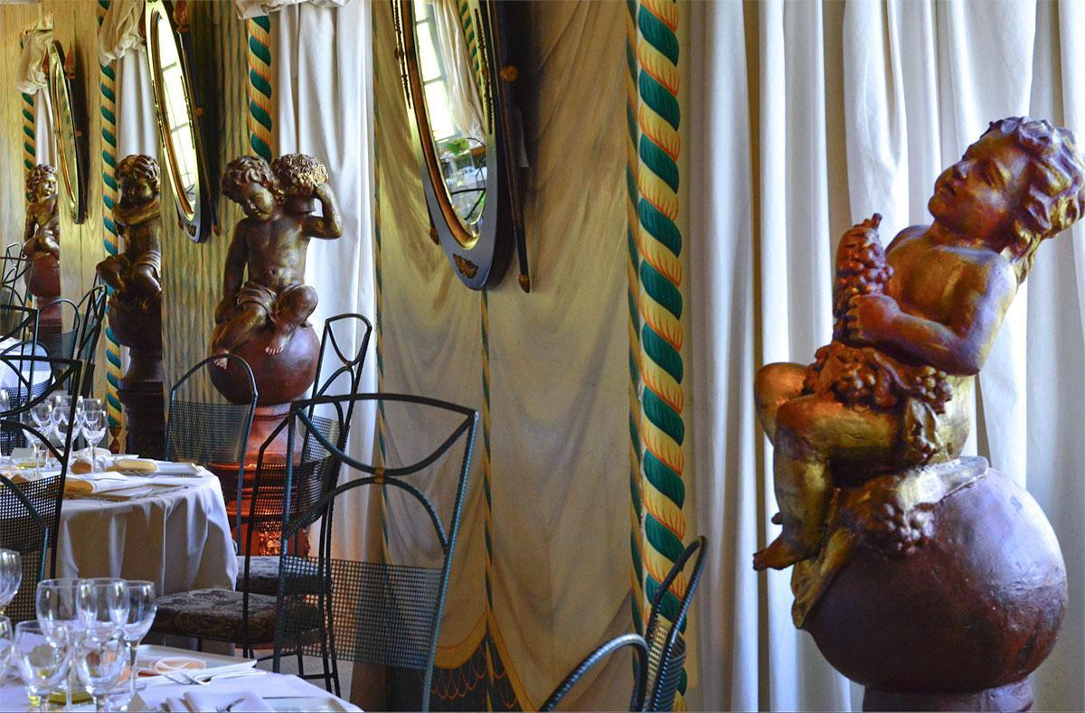 parmi les grandes salles de réception du château : la Salle des Tentures