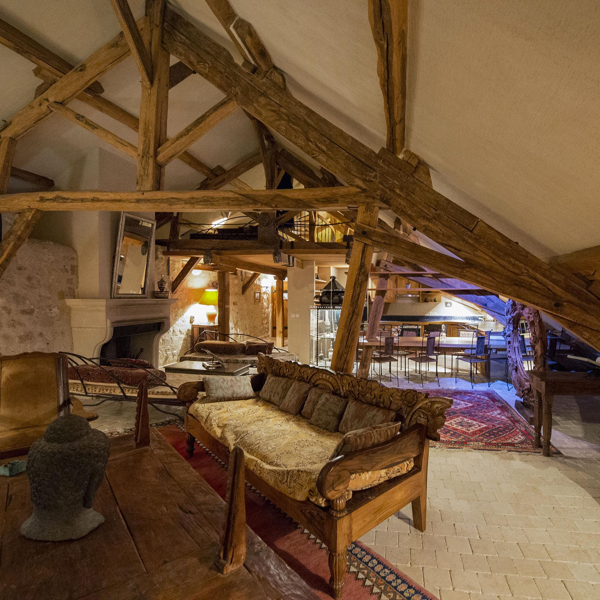 le loft du Pavillon Oriental, une des suite nuptiale du château